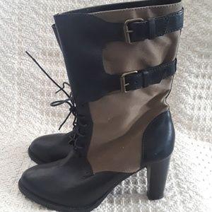 Stylish J. Crew Leather / Canvas Boots Size 7 1/2
